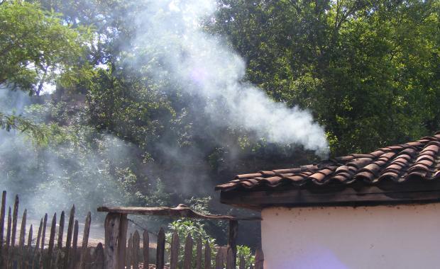 Multiplica esta cantidad de humo por 700mil hogares, todos los dias