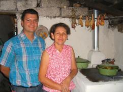Nueva estufa en La Vega con el Prof. Elder y Doña Emilia