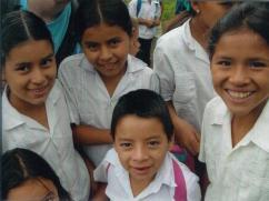 Niños de escuela en Talanga.