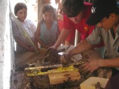 Construyendo una nueva estufa en Talanga.