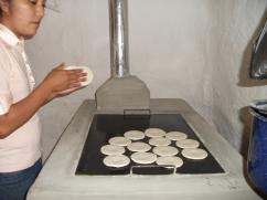 La plancha de las estufas son excelentes para hacer tortillas.