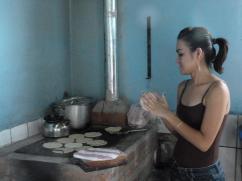 Las tortillas se cocinan rápido y perfectamente con una estufa 2x3.