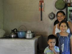 Esta familia adorna la portada de nuestro Manual de Mantenimiento.